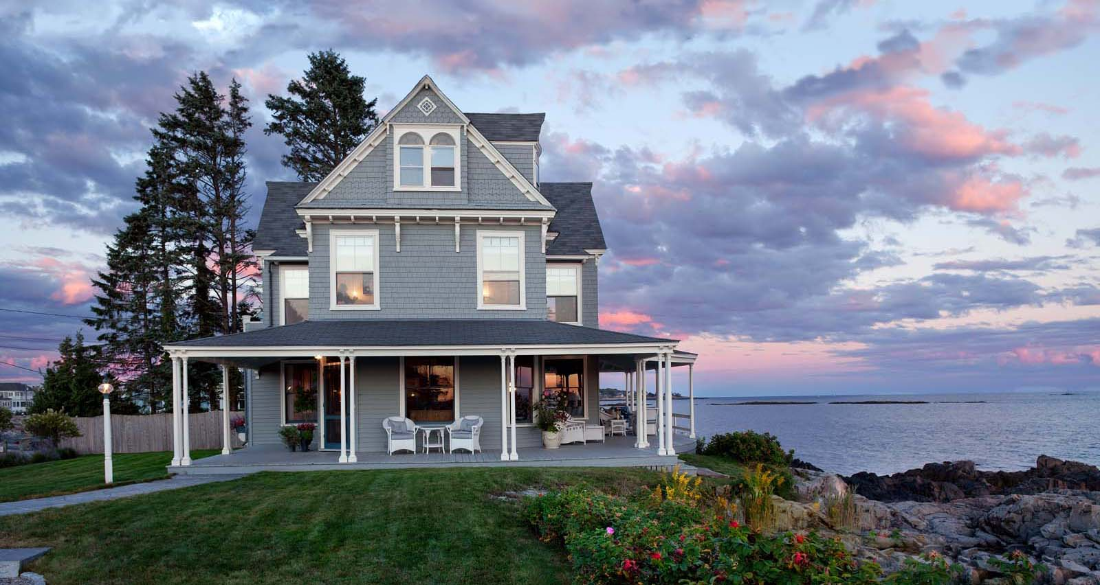 Beauty and the beach maine home design for Maine home design
