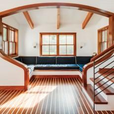 Outbuilding showcases a nautically inspired interior