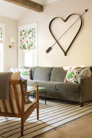 The Shades And Pillows In The Den Are Made From Five Yards Of Josef Frank  Fabric Huffard Found At A Great Price. To Stretch The Material, She Had  Plain ...
