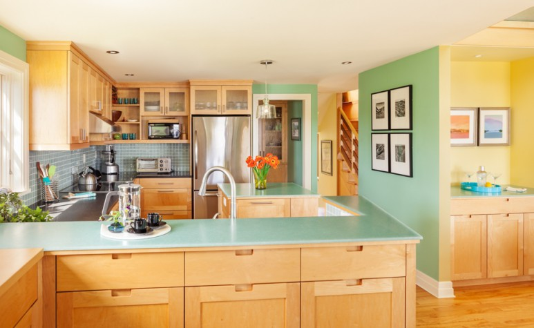 In Living Color Maine Home Design