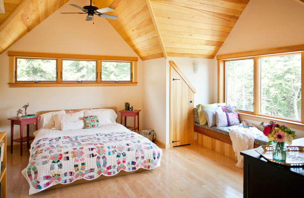 Compact cottages maine home design for Compact cottages