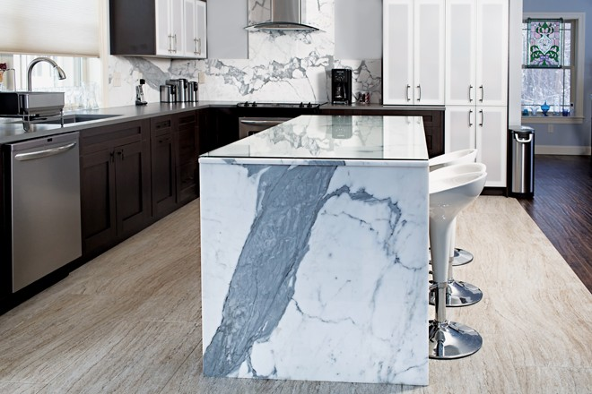 Statuetto Marble Is On Display On An Island And Backsplash In The Maine  Stone Design Centeru0027s Showroom In Portland.