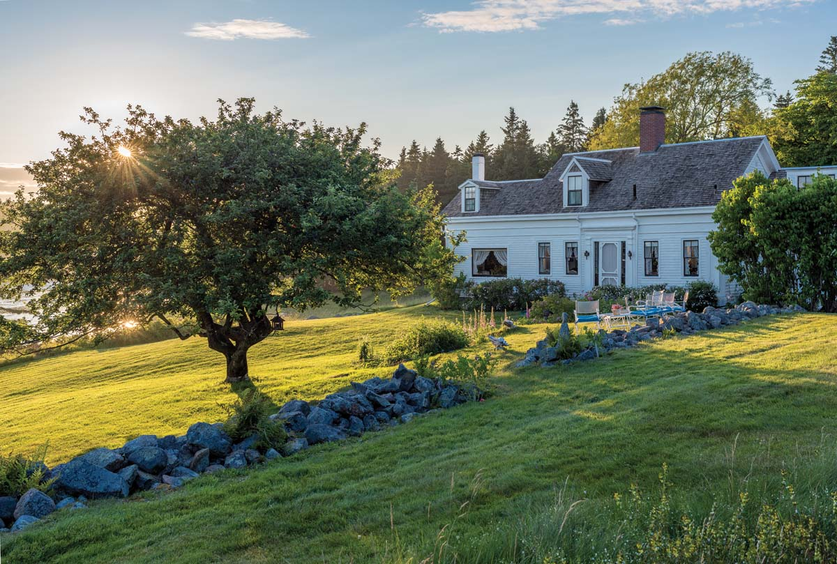 Past perfect maine home design for Maine home design