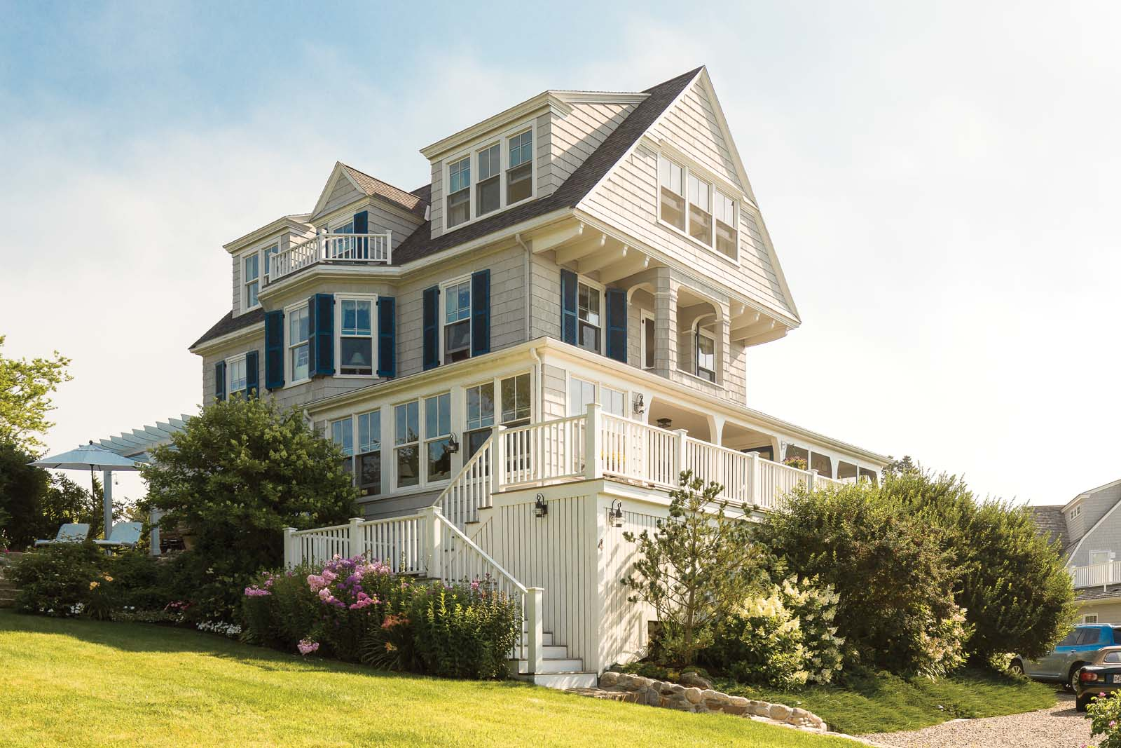 Kennebunk cottage charm maine home design for Maine home and design