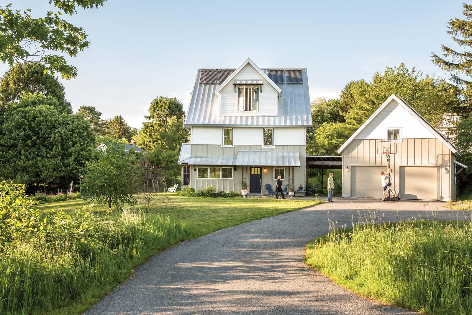 A light touch maine home design for Maine home design